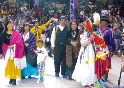 Miss Indian World hugging family